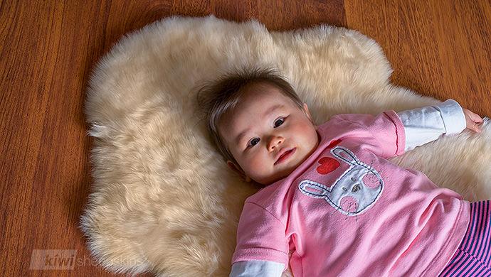 Natural lambskins comfort baby
