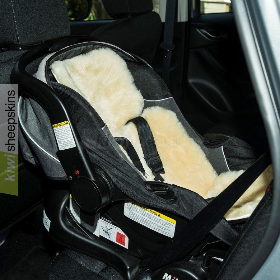 StrollerFleece in baby car seat