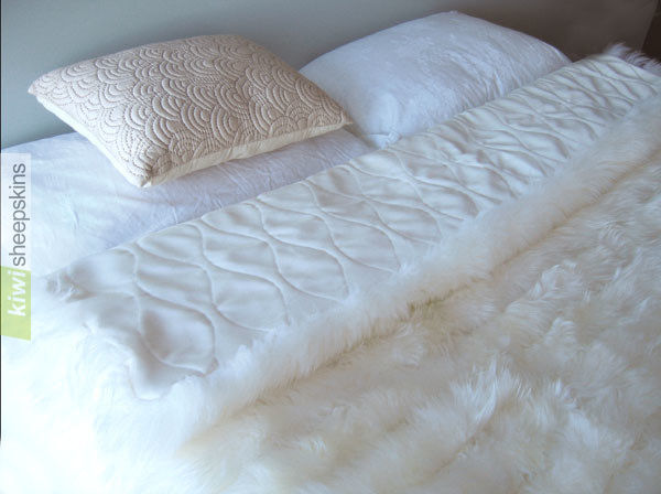 Bowron lambskin minx throw - Ivory color