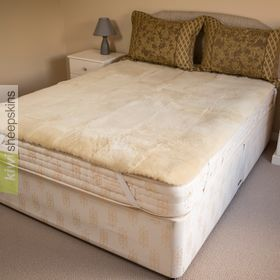 Sheepskin bed pad