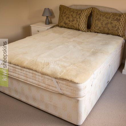 Medical sheepskin bed pad / underlay - Queen size