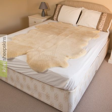 Medical sheepskin bed pelt / underlay - 4 pelt Double Bed
