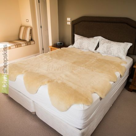 Medical sheepskin bed pelt / underlay - 6 pelt Queen Bed
