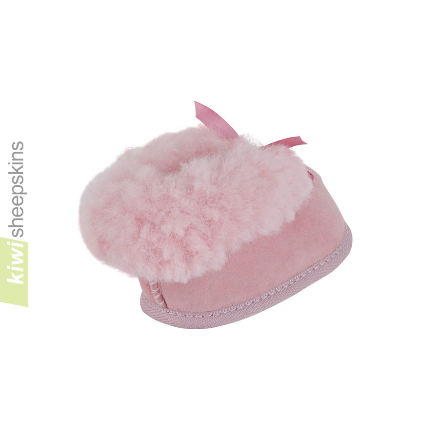 Sheepskin Baby Booties - Pink rear
