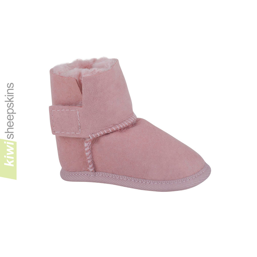 Baby boots in Pink color