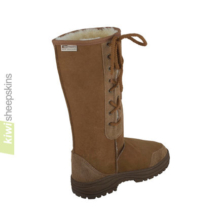 Tall side-laced sheepskin boot Chestnut - rear view