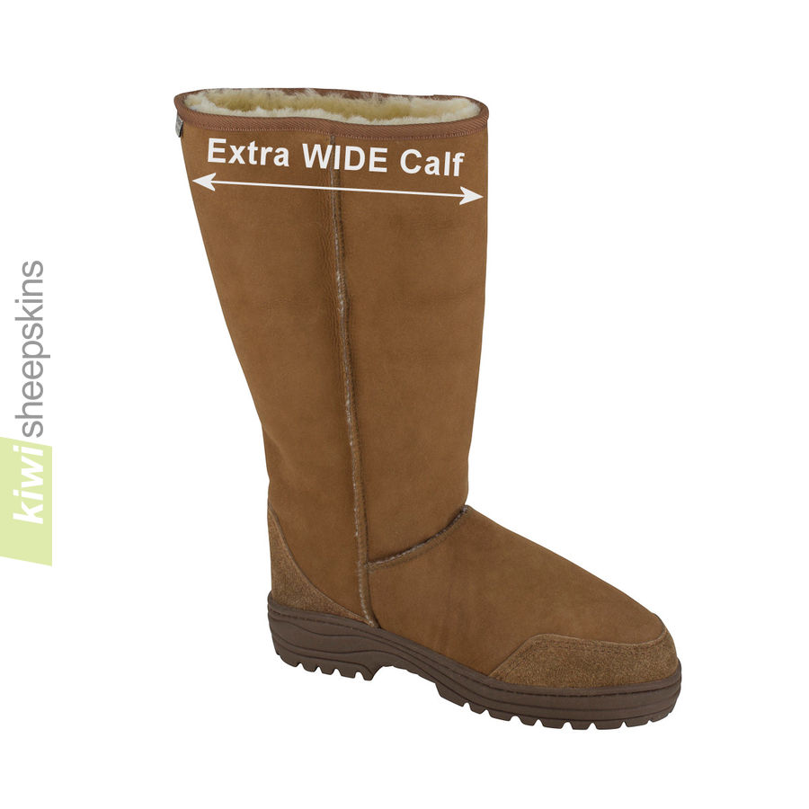 Sheepskin boots with a wider fitting calf