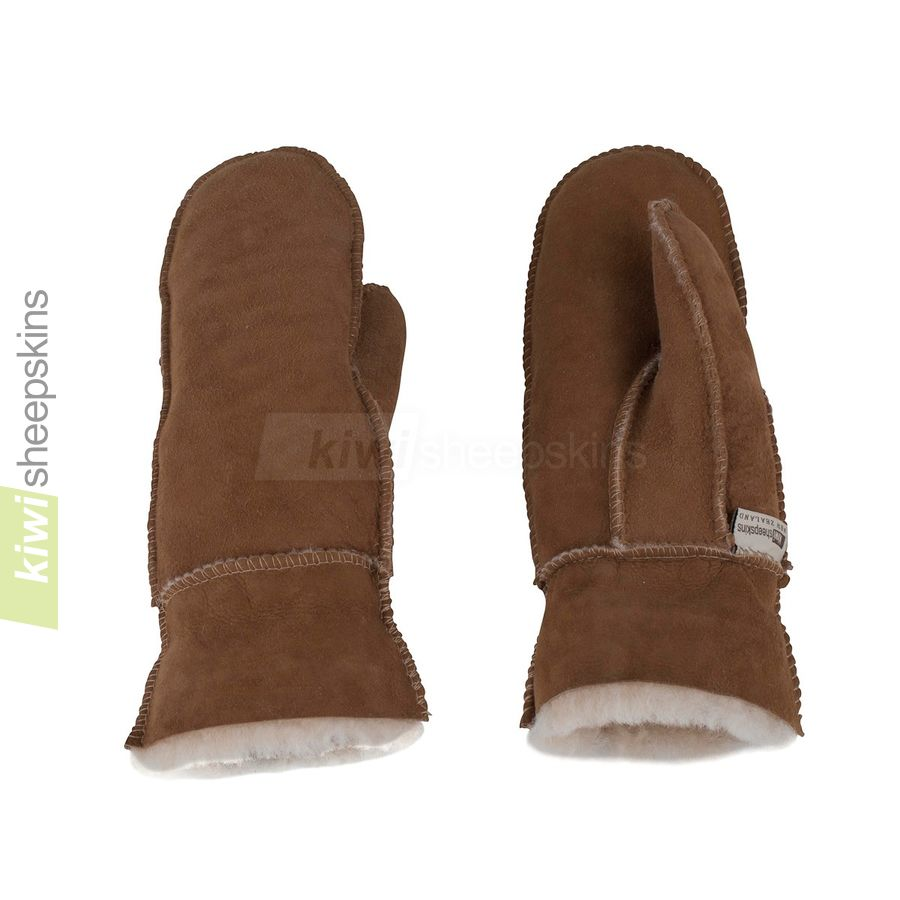 Sheepskin mittens fully extended cuff