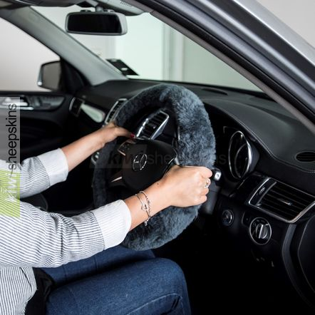 Sheepskin steering wheel cover - Grey