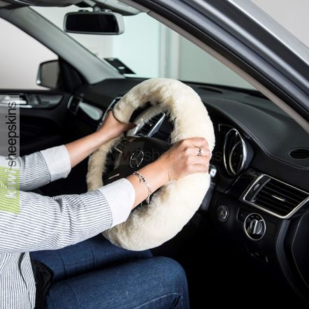 Sheepskin steering wheel cover - Honey
