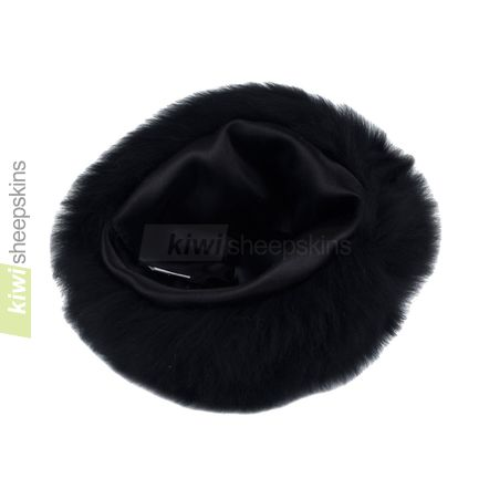 Lara sheepskin hat close up - inside