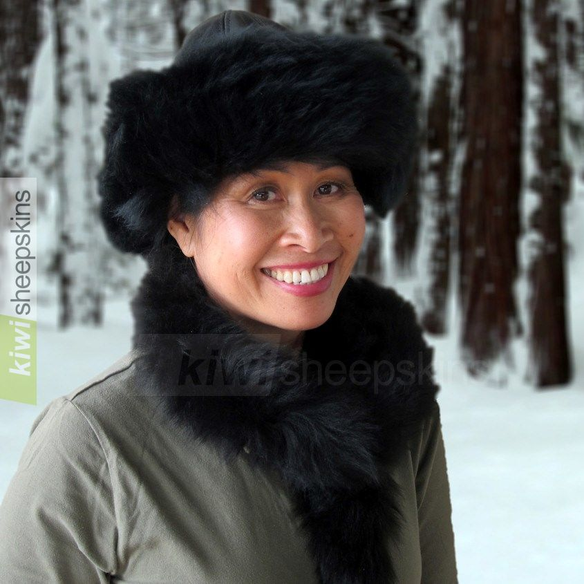 Lara sheepskin hat in the snow