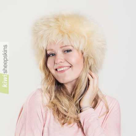 Ladies sheepskin hat - Natasha in Sand/Honey