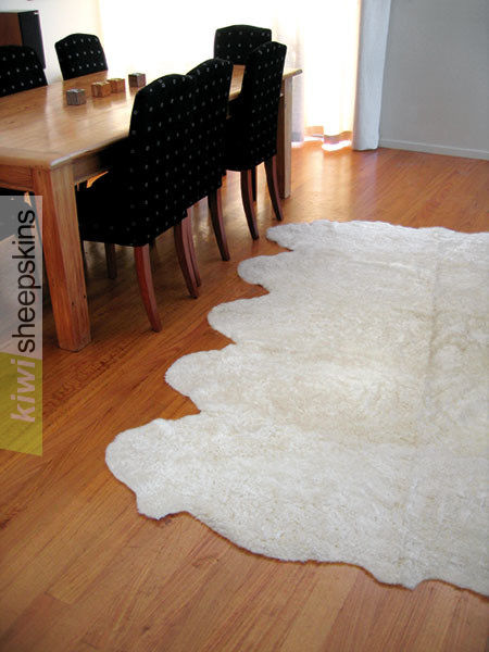 Bowron Zealamb short wool sheepskin rug - Ivory color