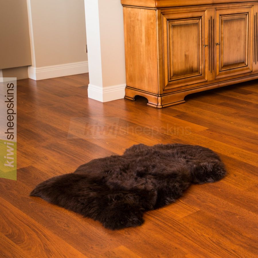 Single XL sheepskin rug - Chocolate brown color