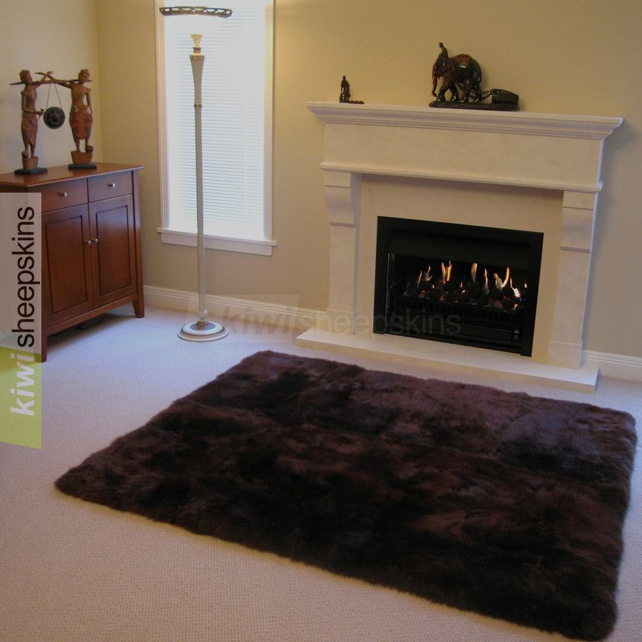 8-pelt rectangle rug in Chocolate color