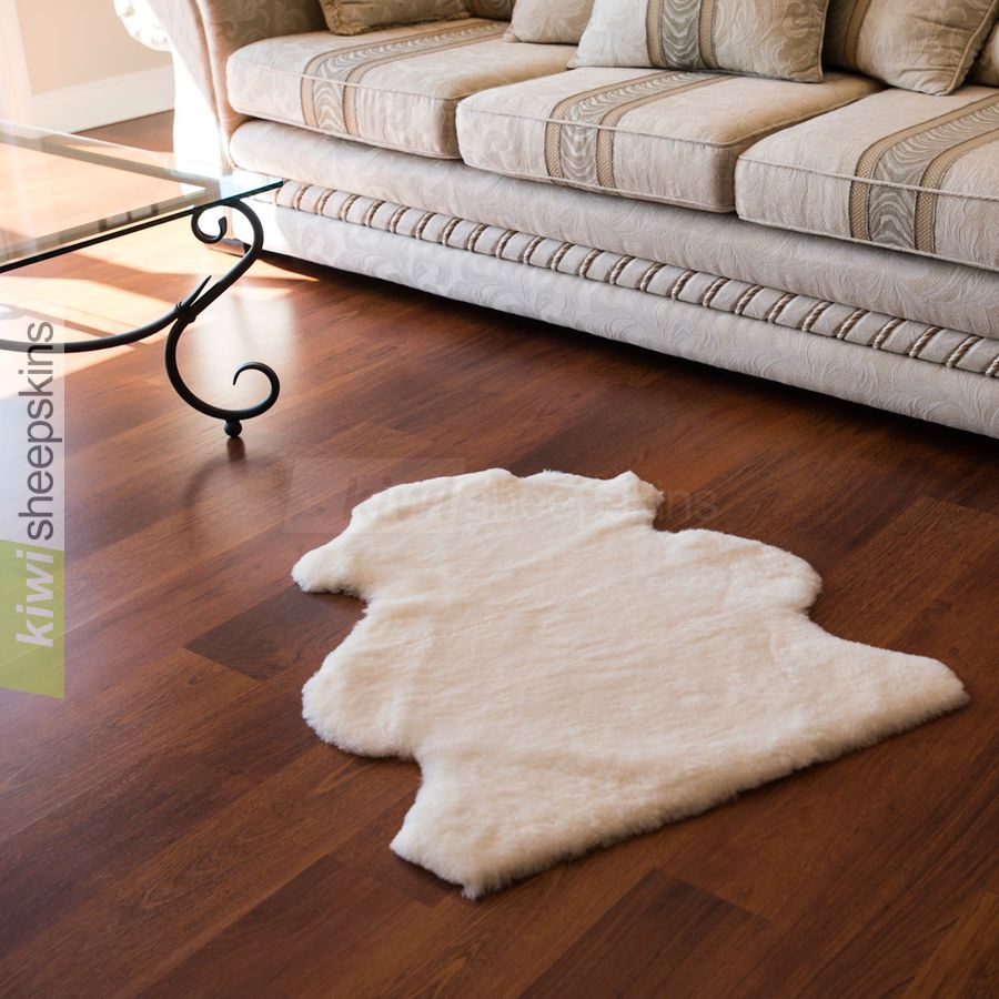 Shorn shearling rugs - natural pelt shape - White color
